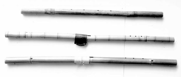 Yuma Transverse and Vertical Flutes from [Densmore 1932], plate 25