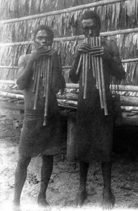 Two panpipe players from Buin, Bougainville, Northern Solomon Islands. Photo: Richard Thurnwald, 1907